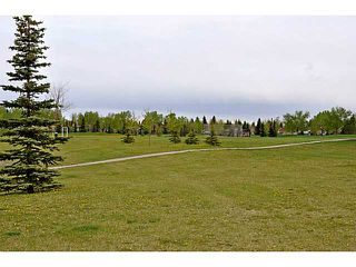 Photo 14: 935 MARCOMBE Drive NE in CALGARY: Marlborough Residential Attached for sale (Calgary)  : MLS®# C3631032