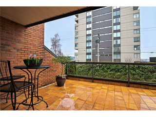Photo 5: 1830 BELLEVUE AV in West Vancouver: Ambleside Condo for sale : MLS®# V1102775