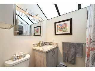 Photo 11: 1830 BELLEVUE AV in West Vancouver: Ambleside Condo for sale : MLS®# V1102775