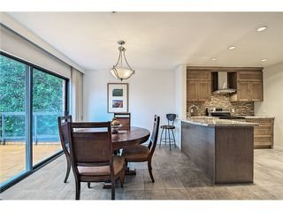 Photo 3: 1830 BELLEVUE AV in West Vancouver: Ambleside Condo for sale : MLS®# V1102775
