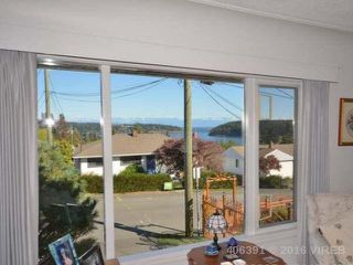 Photo 3: 757 Chestnut St in Nanaimo: Brechin Hill House for sale : MLS®# 406391