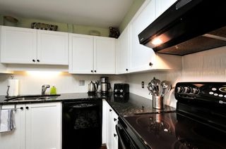 Photo 4: 303 6737 STATION HILL COURT in Burnaby: South Slope Condo for sale (Burnaby South)  : MLS®# R2077188