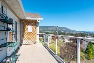 Photo 9: 3681 Morningside Drive: West Kelowna House Duplex for sale (South Okanagan)  : MLS®# 10191317