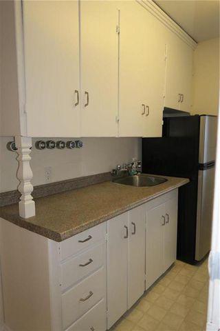 Photo 3: 241 Sydney Avenue in Winnipeg: East Kildonan Residential for sale (3D)  : MLS®# 1932406