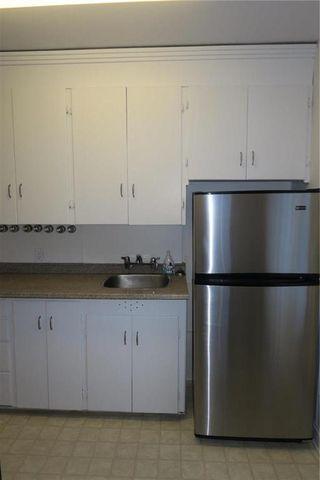 Photo 2: 241 Sydney Avenue in Winnipeg: East Kildonan Residential for sale (3D)  : MLS®# 1932406