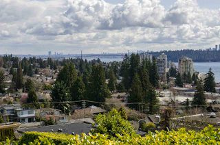 Photo 9: 2578 NELSON Avenue in West Vancouver: Dundarave House for sale : MLS®# R2447851