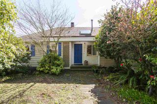Photo 1: 2578 NELSON Avenue in West Vancouver: Dundarave House for sale : MLS®# R2447851