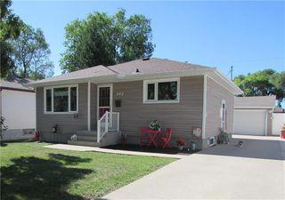 Photo 1: 992 Fleming Avenue in Winnipeg: East Kildonan Residential for sale (3B)  : MLS®# 202019171