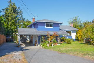 Photo 2: 1226 Wychbury Ave in : Es Saxe Point Single Family Detached for sale (Esquimalt)  : MLS®# 855119