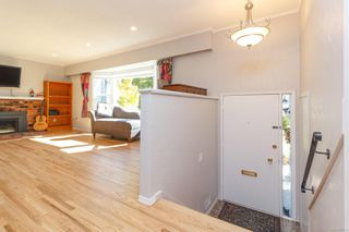 Photo 4: 1226 Wychbury Ave in : Es Saxe Point Single Family Detached for sale (Esquimalt)  : MLS®# 855119