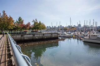 "Photo 4: 106 633 KINGHORNE Mews in Vancouver: Yaletown Condo for sale in ""ICON 2"" (Vancouver West)  : MLS®# R2513489"