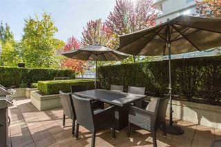 "Photo 8: 106 633 KINGHORNE Mews in Vancouver: Yaletown Condo for sale in ""ICON 2"" (Vancouver West)  : MLS®# R2513489"