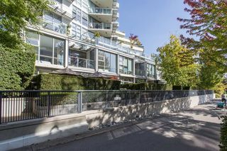 "Photo 2: 106 633 KINGHORNE Mews in Vancouver: Yaletown Condo for sale in ""ICON 2"" (Vancouver West)  : MLS®# R2513489"