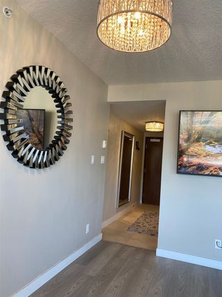 """Photo 4: 2301 2978 GLEN Drive in Coquitlam: North Coquitlam Condo for sale in """"Grand Central One"""" : MLS®# R2514329"""