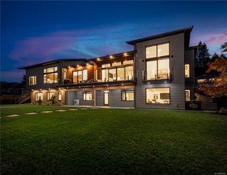 Photo 3: 5460 Bayshore Dr in : Na North Nanaimo House for sale (Nanaimo)  : MLS®# 859841