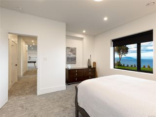 Photo 45: 5460 Bayshore Dr in : Na North Nanaimo House for sale (Nanaimo)  : MLS®# 859841