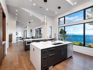 Photo 31: 5460 Bayshore Dr in : Na North Nanaimo House for sale (Nanaimo)  : MLS®# 859841