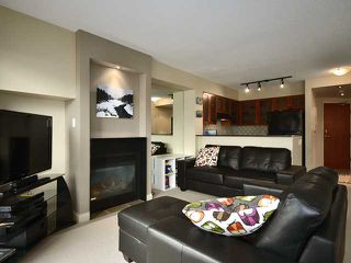 Photo 3: 203 55 ALEXANDER Street in Vancouver: Downtown VE Condo for sale (Vancouver East)  : MLS®# V938824