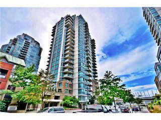 "Photo 1: 901 120 MILROSS Avenue in Vancouver: Mount Pleasant VE Condo for sale in ""THE BRIGHTON"" (Vancouver East)  : MLS®# V976401"