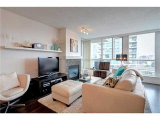 "Photo 2: 901 120 MILROSS Avenue in Vancouver: Mount Pleasant VE Condo for sale in ""THE BRIGHTON"" (Vancouver East)  : MLS®# V976401"