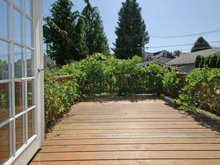 Photo 13: 3078 GRANT ST in Vancouver: Renfrew VE House for sale (Vancouver East)  : MLS®# V1019044