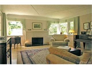 Photo 2:  in VICTORIA: SE Cedar Hill House for sale (Saanich East)  : MLS®# 400227