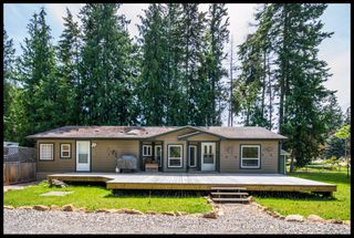 Photo 2: 1956 Eagle Bay Road in Blind Bay: Semi-Lakeshore House for sale