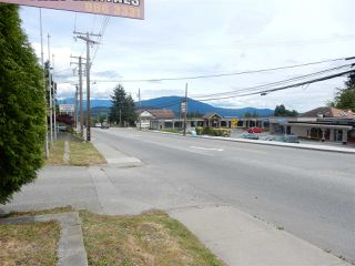 Photo 2: 826 GIBSONS WAY in Gibsons: Gibsons & Area Land Commercial for sale (Sunshine Coast)  : MLS®# C8006484
