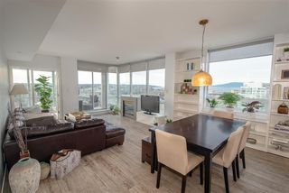 Photo 9: 1903 638 BEACH CRESCENT in Vancouver: Yaletown Condo for sale (Vancouver West)  : MLS®# R2339552