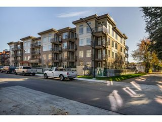 "Main Photo: 309 2382 ATKINS Avenue in Port Coquitlam: Central Pt Coquitlam Condo for sale in ""PARCEAST"" : MLS®# R2416891"