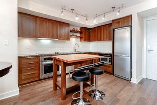 "Photo 3: 331 2288 W BROADWAY Avenue in Vancouver: Kitsilano Condo for sale in ""THE VINE"" (Vancouver West)  : MLS®# R2421744"