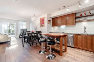 "Photo 2: 331 2288 W BROADWAY Avenue in Vancouver: Kitsilano Condo for sale in ""THE VINE"" (Vancouver West)  : MLS®# R2421744"
