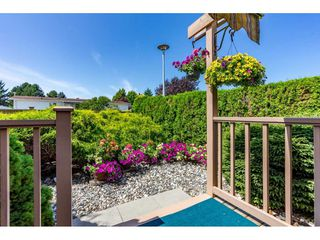 """Photo 18: 15851 NORFOLK Road in Surrey: King George Corridor Manufactured Home for sale in """"CRANLEY PARK"""" (South Surrey White Rock)  : MLS®# R2428769"""