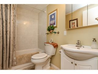 """Photo 14: 15851 NORFOLK Road in Surrey: King George Corridor Manufactured Home for sale in """"CRANLEY PARK"""" (South Surrey White Rock)  : MLS®# R2428769"""