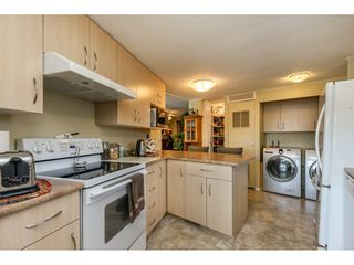 """Photo 9: 15851 NORFOLK Road in Surrey: King George Corridor Manufactured Home for sale in """"CRANLEY PARK"""" (South Surrey White Rock)  : MLS®# R2428769"""