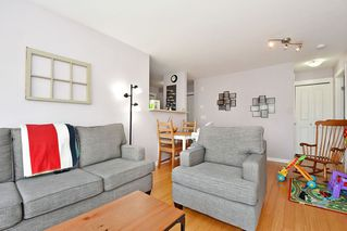 Photo 4: 407 3575 EUCLID AVENUE in Vancouver: Collingwood VE Condo for sale (Vancouver East)  : MLS®# R2408894