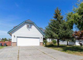 Main Photo: 15271 95 Avenue in Surrey: Fleetwood Tynehead House for sale : MLS®# R2487082