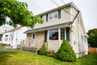 Photo 3: 36 Chappell Street in Dartmouth: 10-Dartmouth Downtown To Burnside Residential for sale (Halifax-Dartmouth)  : MLS®# 202018621