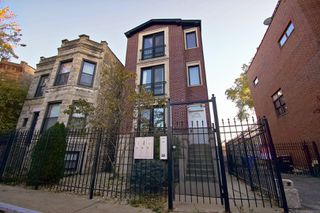 Main Photo:  in Chicago: CHI - West Town Residential Lease for lease ()  : MLS®# MRD10960539
