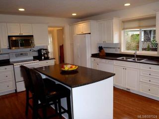 Photo 4: 780 Windward Pl in QUALICUM BEACH: PQ Qualicum Beach House for sale (Parksville/Qualicum)  : MLS®# 597524