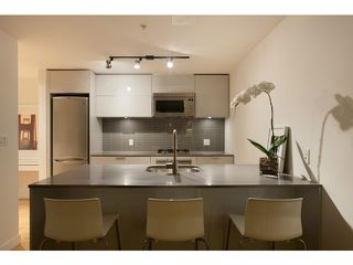 "Photo 2: 2204 128 W CORDOVA Street in Vancouver: Downtown VW Condo for sale in ""WOODWARDS"" (Vancouver West)  : MLS®# V953362"