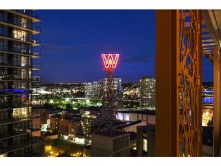 "Photo 4: 2204 128 W CORDOVA Street in Vancouver: Downtown VW Condo for sale in ""WOODWARDS"" (Vancouver West)  : MLS®# V953362"