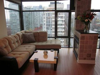 """Photo 2: 1402 1863 ALBERNI Street in Vancouver: West End VW Condo for sale in """"LUMIERE"""" (Vancouver West)  : MLS®# V978080"""