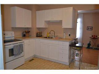 Photo 3: 421 Taylor STREET E in Saskatoon: Queen Elizabeth Single Family Dwelling for sale (Saskatoon Area 02)  : MLS®# 454549