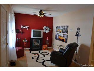 Photo 11: 421 Taylor STREET E in Saskatoon: Queen Elizabeth Single Family Dwelling for sale (Saskatoon Area 02)  : MLS®# 454549
