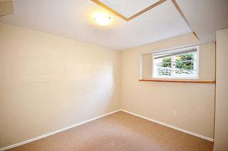 Photo 46: 480 GREENWAY AV in North Vancouver: Upper Delbrook House for sale : MLS®# V1003304
