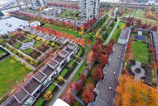Photo 3: 1802 4182 Dawson Street in Burnaby: Brentwood Park Condo for sale (Burnaby North)  : MLS®# V1035172