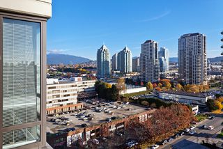 Photo 5: 1802 4182 Dawson Street in Burnaby: Brentwood Park Condo for sale (Burnaby North)  : MLS®# V1035172