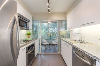 Photo 8: 302 1501 HOWE STREET in Vancouver: Yaletown Condo for sale (Vancouver West)  : MLS®# R2303942