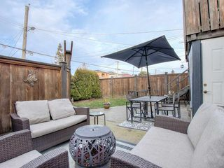 Photo 2: 3061 E 18TH AVENUE in Vancouver: Renfrew Heights House for sale (Vancouver East)  : MLS®# R2340047